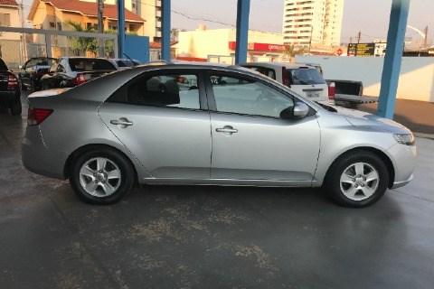 //www.autoline.com.br/carro/kia/cerato-16-ex-16v-sedan-gasolina-4p-manual/2012/jatai-go/12609923