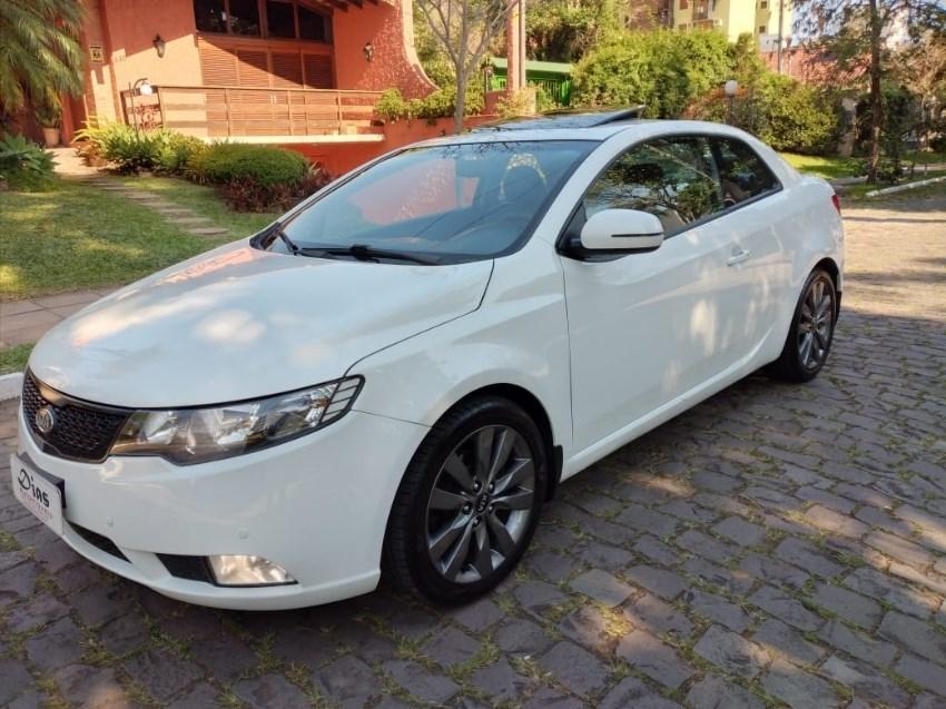//www.autoline.com.br/carro/kia/cerato-20-koup-ex-16v-coupe-gasolina-2p-automatico/2013/novo-hamburgo-rs/13078584