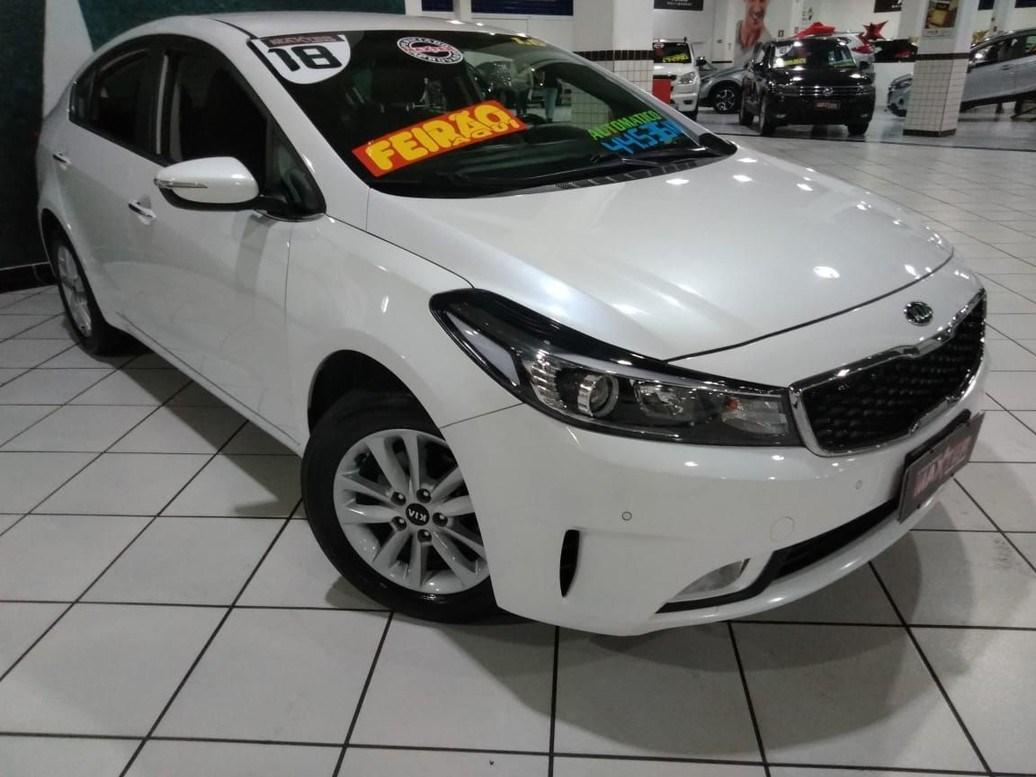 //www.autoline.com.br/carro/kia/cerato-16-sx-16v-sedan-flex-4p-automatico/2018/sao-paulo-sp/13874396