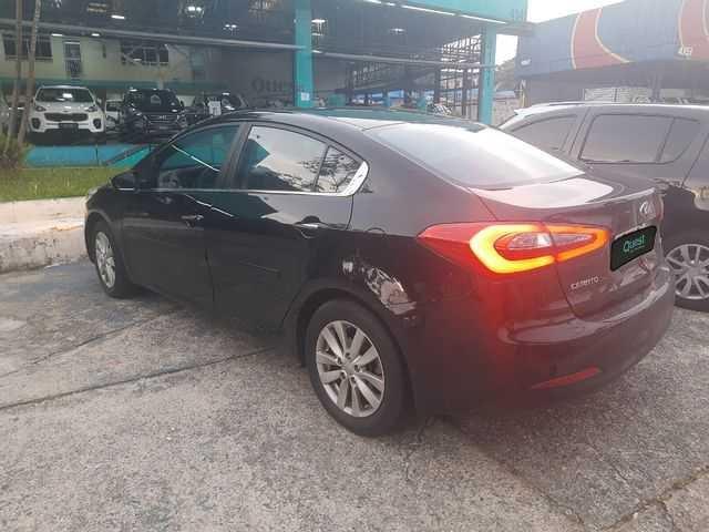 //www.autoline.com.br/carro/kia/cerato-16-sx-16v-flex-4p-automatico/2015/sao-paulo-sp/14082699