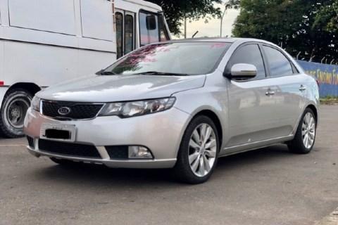 //www.autoline.com.br/carro/kia/cerato-16-sx-16v-gasolina-4p-automatico/2011/brasilia-df/14306493