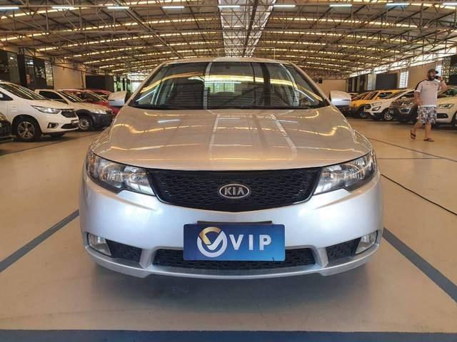//www.autoline.com.br/carro/kia/cerato-16-ex-16v-gasolina-4p-automatico/2012/fortaleza-ce/14398164