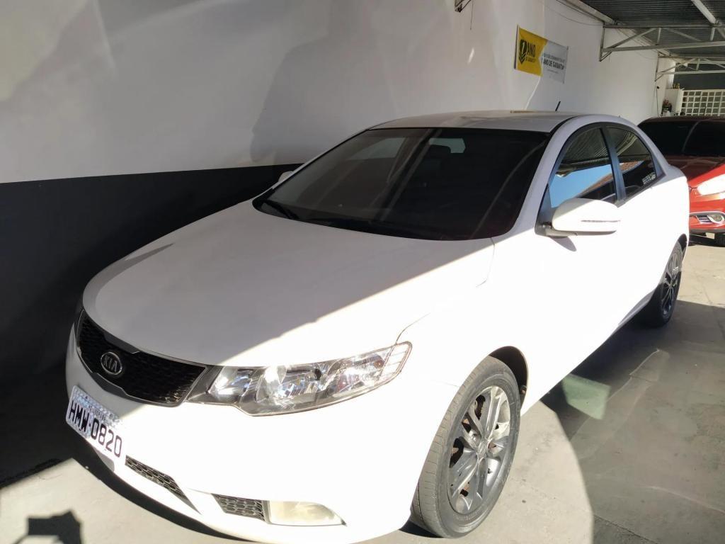 //www.autoline.com.br/carro/kia/cerato-16-ex-16v-gasolina-4p-manual/2012/uberaba-mg/14576270