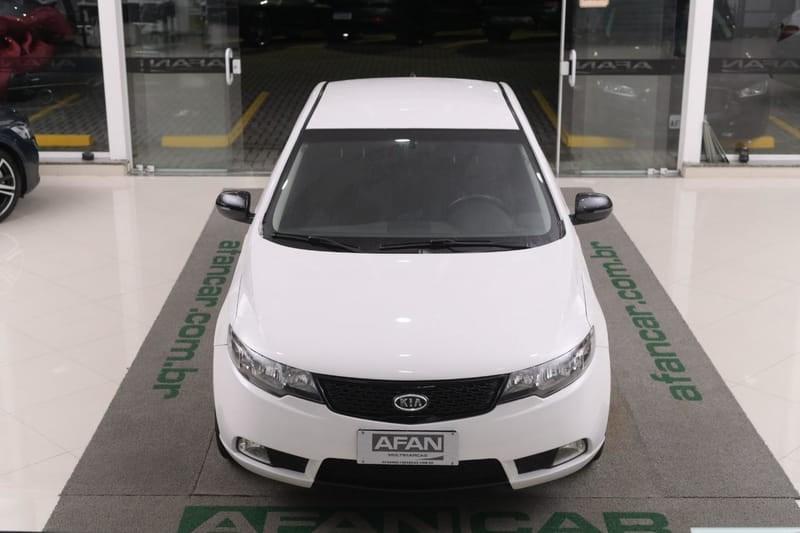 //www.autoline.com.br/carro/kia/cerato-16-ex-16v-gasolina-4p-manual/2011/curitiba-pr/14901338