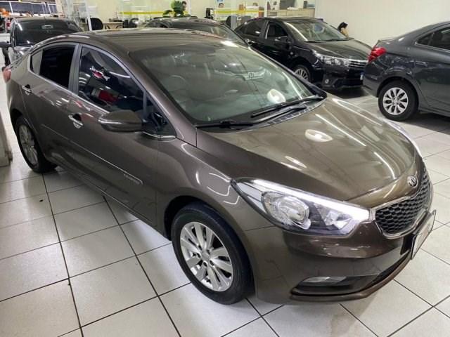 //www.autoline.com.br/carro/kia/cerato-16-sx-16v-flex-4p-automatico/2015/osasco-sp/14935184