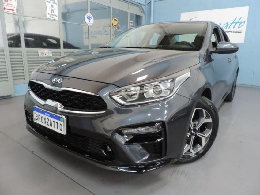 //www.autoline.com.br/carro/kia/cerato-20-ex-16v-flex-4p-automatico/2020/porto-alegre-rs/15092093