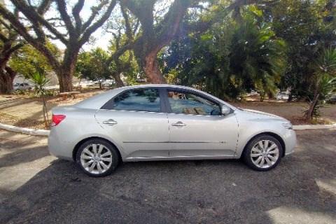 //www.autoline.com.br/carro/kia/cerato-16-sx-16v-gasolina-4p-automatico/2013/sao-paulo-sp/15485506