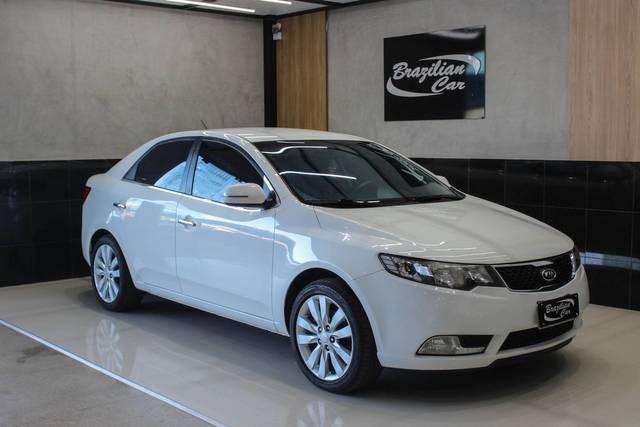 //www.autoline.com.br/carro/kia/cerato-16-sx-16v-gasolina-4p-automatico/2013/brasilia-df/15612499