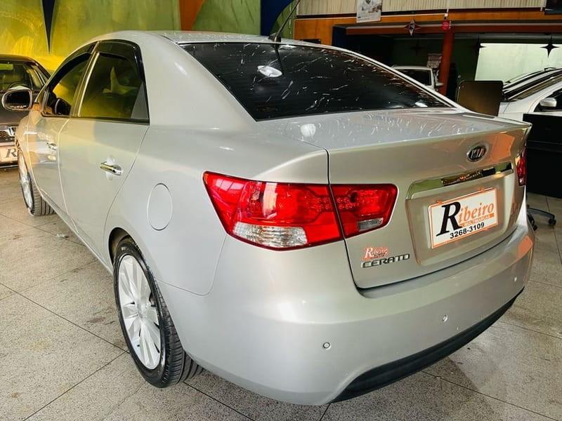 //www.autoline.com.br/carro/kia/cerato-16-sx-16v-gasolina-4p-automatico/2011/campinas-sp/15638968