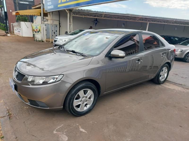 //www.autoline.com.br/carro/kia/cerato-16-ex-16v-gasolina-4p-manual/2010/cascavel-pr/15902118