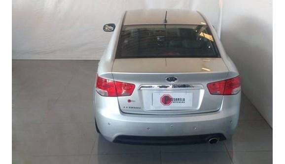 //www.autoline.com.br/carro/kia/cerato-16-sx-16v-sedan-gasolina-4p-automatico/2013/belo-horizonte-mg/8695945