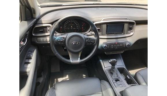 //www.autoline.com.br/carro/kia/sorento-33-ex-24v-gasolina-4p-automatico/2016/blumenau-sc/10280586