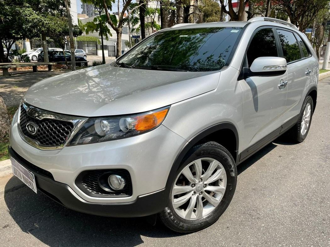//www.autoline.com.br/carro/kia/sorento-24-ex-16v-gasolina-4p-automatico/2013/sao-paulo-sp/15662851