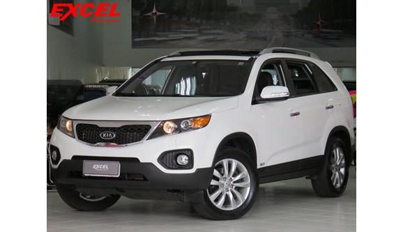 //www.autoline.com.br/carro/kia/sorento-35-4x4-at-ex-v-6-7lug-278cv-4p-gasolina-autom/2013/curitiba-pr/7059434