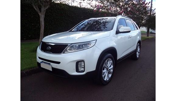 //www.autoline.com.br/carro/kia/sorento-24-ex-16v-gasolina-4p-automatico/2015/cascavel-pr/7634733