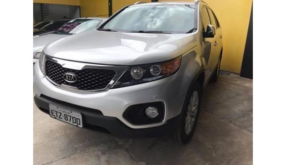 //www.autoline.com.br/carro/kia/sorento-24-4x4-at-ex-7lug-174cv-4p-gasolina-automatic/2011/sorocaba-sp/9840265