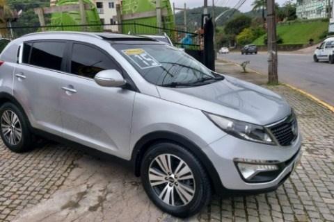 //www.autoline.com.br/carro/kia/sportage-20-ex-16v-flex-4p-automatico/2015/joinville-sc/13604844