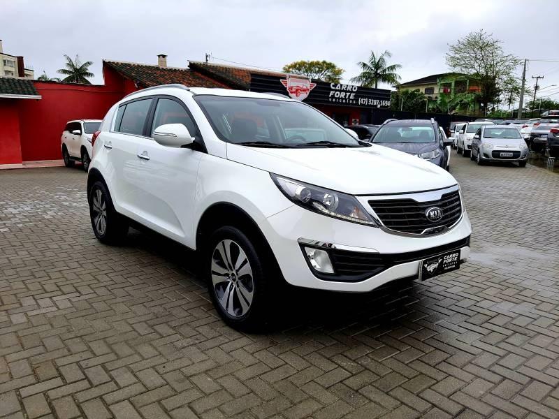 //www.autoline.com.br/carro/kia/sportage-20-ex-16v-flex-4p-automatico/2013/joinville-sc/15837613