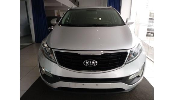 //www.autoline.com.br/carro/kia/sportage-20-lx-16v-flex-4p-automatico/2015/aracaju-se/8344888