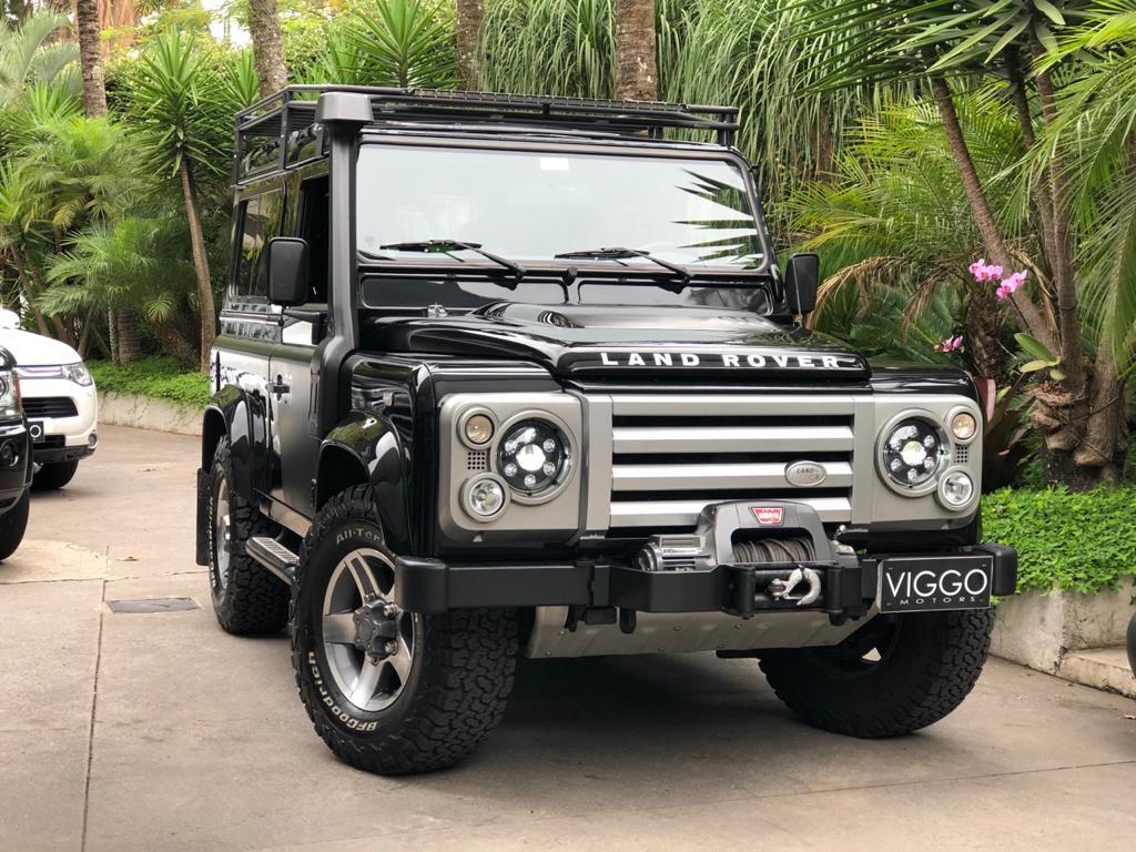 //www.autoline.com.br/carro/land-rover/defender-24-s-16v-diesel-4p-manual-4x4-turbo/2009/sao-paulo-sp/13787614