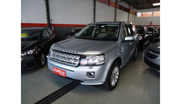 //www.autoline.com.br/carro/land-rover/freelander-22-se-16v-diesel-4p-automatico-4x4-turbo/2013/itaguai-rj/7419102