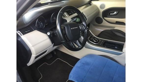 //www.autoline.com.br/carro/land-rover/range-rover-evoque-22-prestige-16v-diesel-4p-4x4-turbo-automatic/2015/carpina-pe/8195319