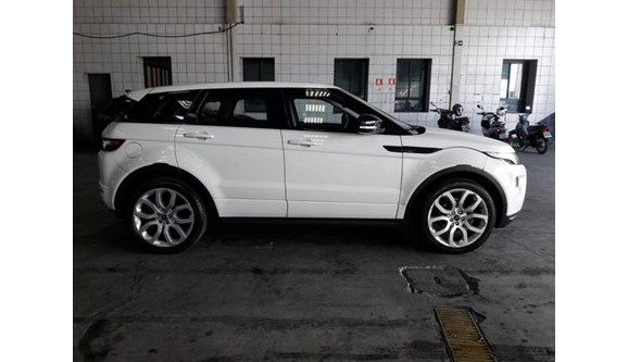 //www.autoline.com.br/carro/land-rover/range-rover-evoque-20-dynamic-16v-gasolina-4p-automatico-4x4-tur/2013/sao-paulo-sp/8599851