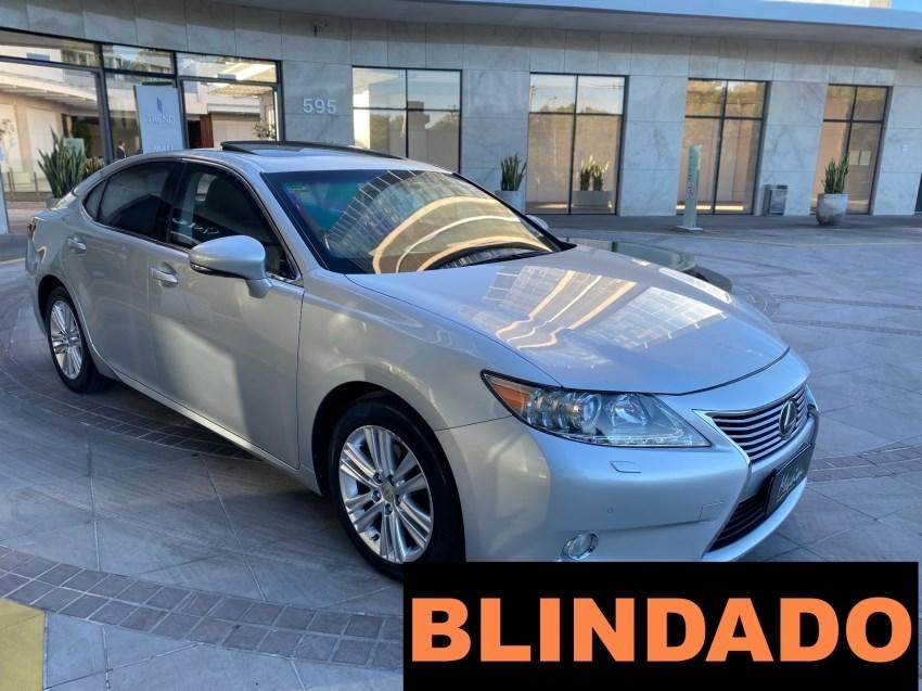 //www.autoline.com.br/carro/lexus/es-350-35-v6-24v-gasolina-4p-automatico/2013/porto-alegre-rs/14772038