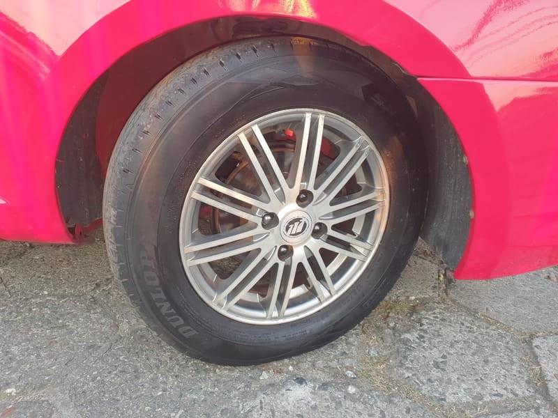 //www.autoline.com.br/carro/lifan/320-13-lx-16v-gasolina-4p-manual/2011/curitiba-pr/15361449