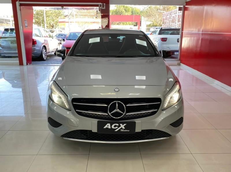 //www.autoline.com.br/carro/mercedes-benz/a-200-16-hatch-turbo-urban-16v-gasolina-4p-automati/2014/curitiba-pr/15171789