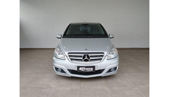 //www.autoline.com.br/carro/mercedes-benz/b-180-18-family-plus-8v-gasolina-4p-automatico/2011/campinas-sp/11500056
