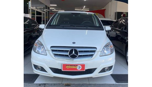 //www.autoline.com.br/carro/mercedes-benz/b-180-17-confort-8v-gasolina-4p-automatico/2010/guaruja-sp/11777282