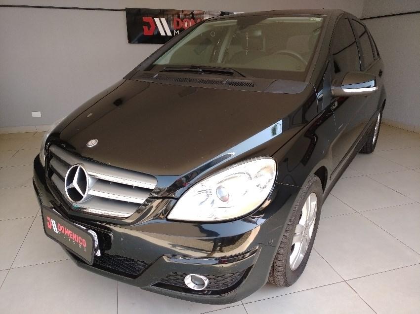 //www.autoline.com.br/carro/mercedes-benz/b-180-17-confort-8v-gasolina-4p-automatico/2011/campo-grande-ms/12147011