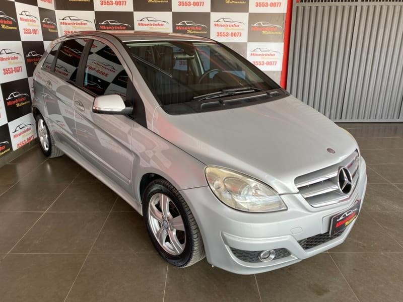 //www.autoline.com.br/carro/mercedes-benz/b-180-18-confort-8v-gasolina-4p-automatico/2010/brasilia-df/15739169