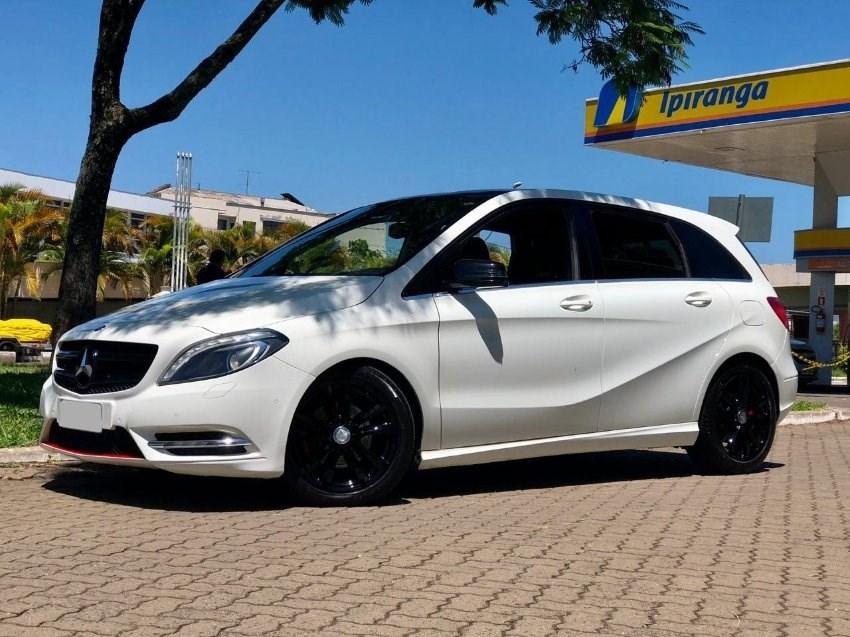 //www.autoline.com.br/carro/mercedes-benz/b-200-16-turbo-16v-gasolina-4p-automatizado/2013/porto-alegre-rs/14697891