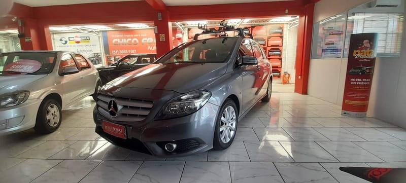 //www.autoline.com.br/carro/mercedes-benz/b-200-16-turbo-16v-gasolina-4p-automatizado/2013/novo-hamburgo-rs/14701627