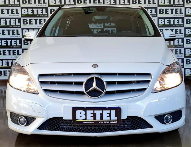 //www.autoline.com.br/carro/mercedes-benz/b-200-16-turbo-16v-gasolina-4p-automatizado/2013/londrina-pr/14741170