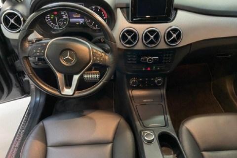 //www.autoline.com.br/carro/mercedes-benz/b-200-16-turbo-sport-16v-gasolina-4p-automatizado/2014/sao-paulo-sp/14997000