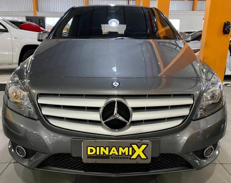 //www.autoline.com.br/carro/mercedes-benz/b-200-16-turbo-16v-gasolina-4p-automatizado/2013/curitiba-pr/15161506