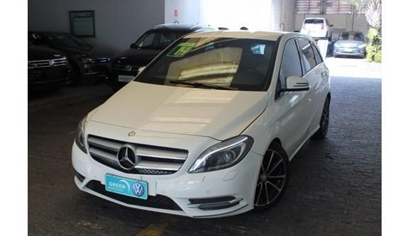 //www.autoline.com.br/carro/mercedes-benz/b-200-16-turbo-156cv-4p-gasolina-automatico/2014/sao-paulo-sp/7046374