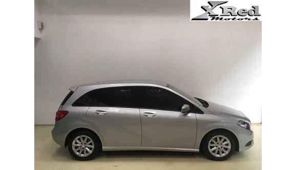 //www.autoline.com.br/carro/mercedes-benz/b-200-16-sport-156cv-16v-gasolina-4p-automatizado/2013/sao-paulo-sp/8055217