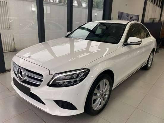 //www.autoline.com.br/carro/mercedes-benz/c-180-16-avantgarde-16v-gasolina-4p-turbo-automatic/2020/sao-paulo-sp/13135360
