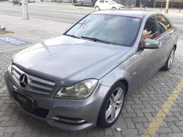 //www.autoline.com.br/carro/mercedes-benz/c-180-18-turbo-16v-gasolina-4p-automatico/2012/sao-paulo-sp/14660238