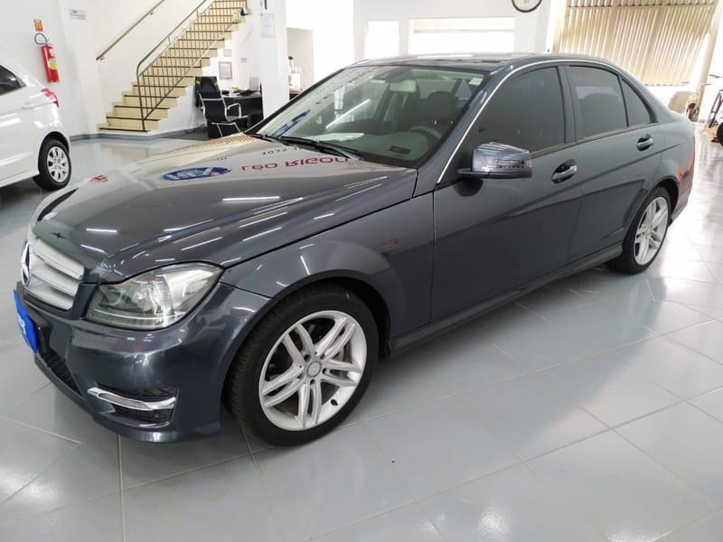 //www.autoline.com.br/carro/mercedes-benz/c-200-18-cgi-sport-turbo-184cv-4p-gasolina-automati/2014/cascavel-pr/13184441