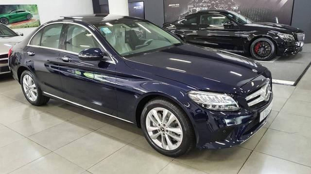 //www.autoline.com.br/carro/mercedes-benz/c-200-15-eq-boost-16v-sedan-flex-4p-automatico/2020/brasilia-df/13468796