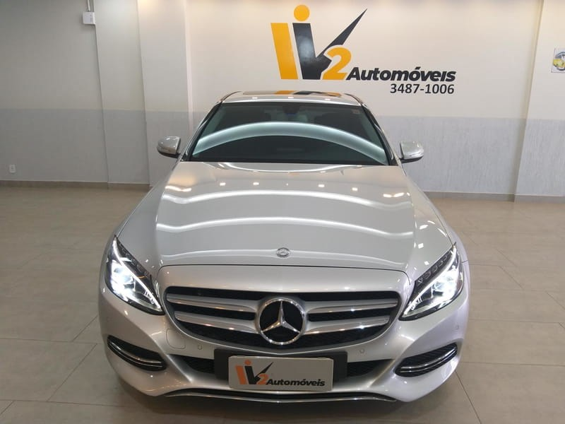 //www.autoline.com.br/carro/mercedes-benz/c-200-20-avantgarde-16v-gasolina-4p-turbo-automatic/2015/brasilia-df/15434694