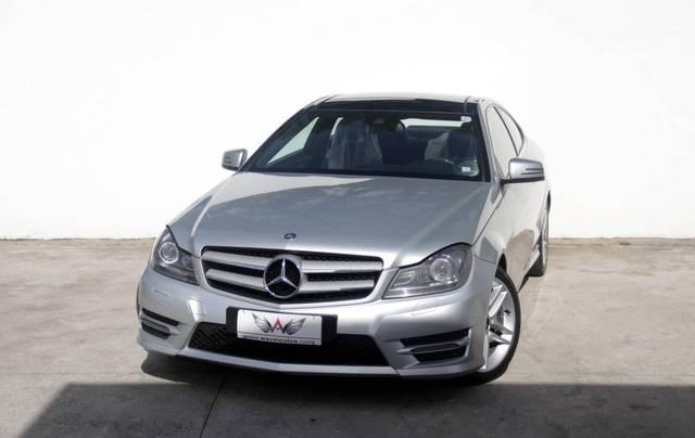 //www.autoline.com.br/carro/mercedes-benz/c-250-18-coupe-turbo-sport-16v-gasolina-2p-automati/2013/taubate-sp/13978348