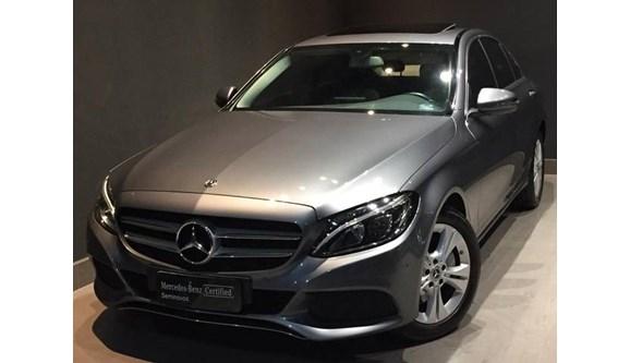//www.autoline.com.br/carro/mercedes-benz/c-250-20-avantgarde-16v-sedan-gasolina-4p-automatic/2018/barueri-sp/9965031