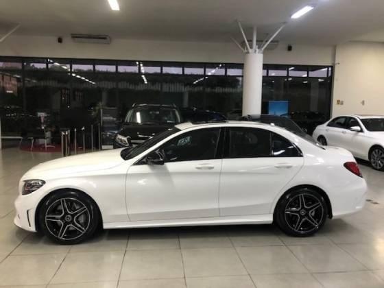//www.autoline.com.br/carro/mercedes-benz/c-300-20-sport-16v-gasolina-4p-turbo-automatico/2019/brasilia-df/15741368