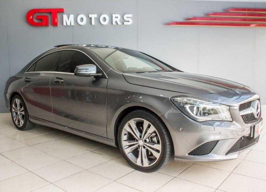 //www.autoline.com.br/carro/mercedes-benz/cla-200-16-vision-turbo-156cv-4p-flex-automatico/2015/novo-hamburgo-rs/12638804